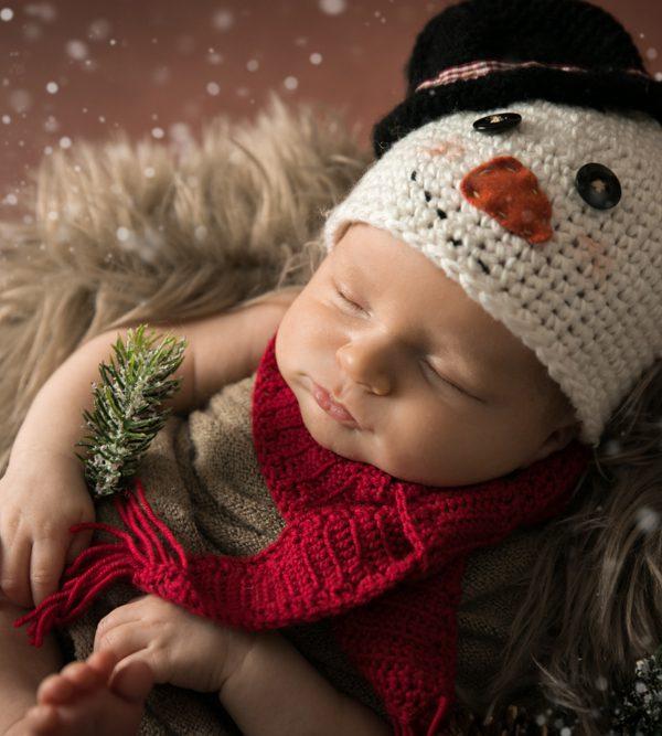 Neugeborenenshooting im weihnachtlichen Look